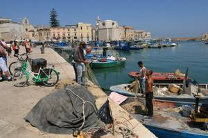 Apulien - Boote in Trani